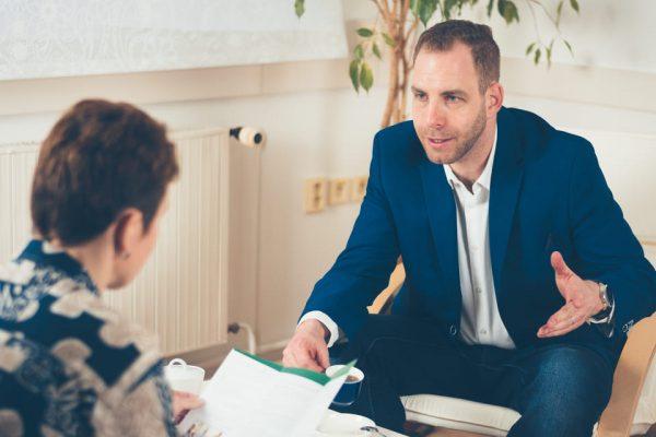 Jednání se zaměstnancem; ilustrativní obrázek - MADIO