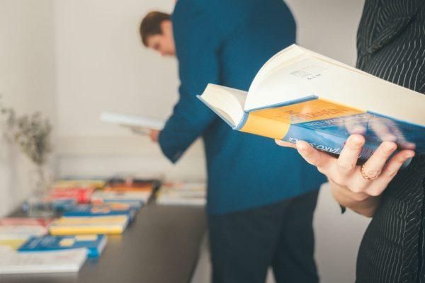 Jednání se zaměstnanci, ilustrační obrázek - MADIO